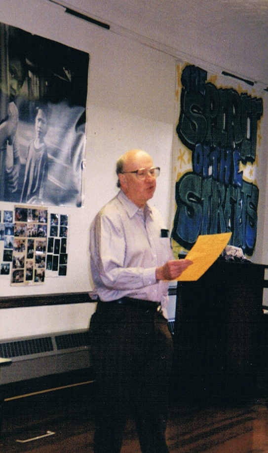 Rhett Stuart Reading at the Tenderloin Reflection and Education Center (2)